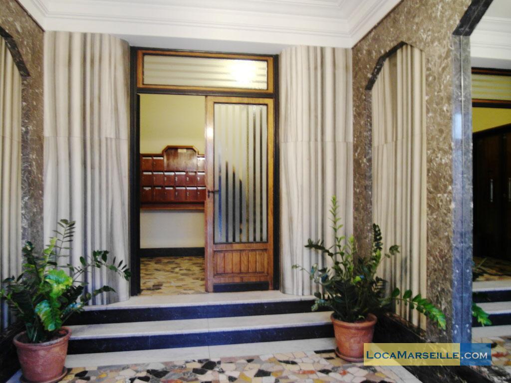 Studio marseille avec cour interieure castellane 13006 for Acheter studio marseille