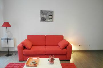 Apartment Studio red