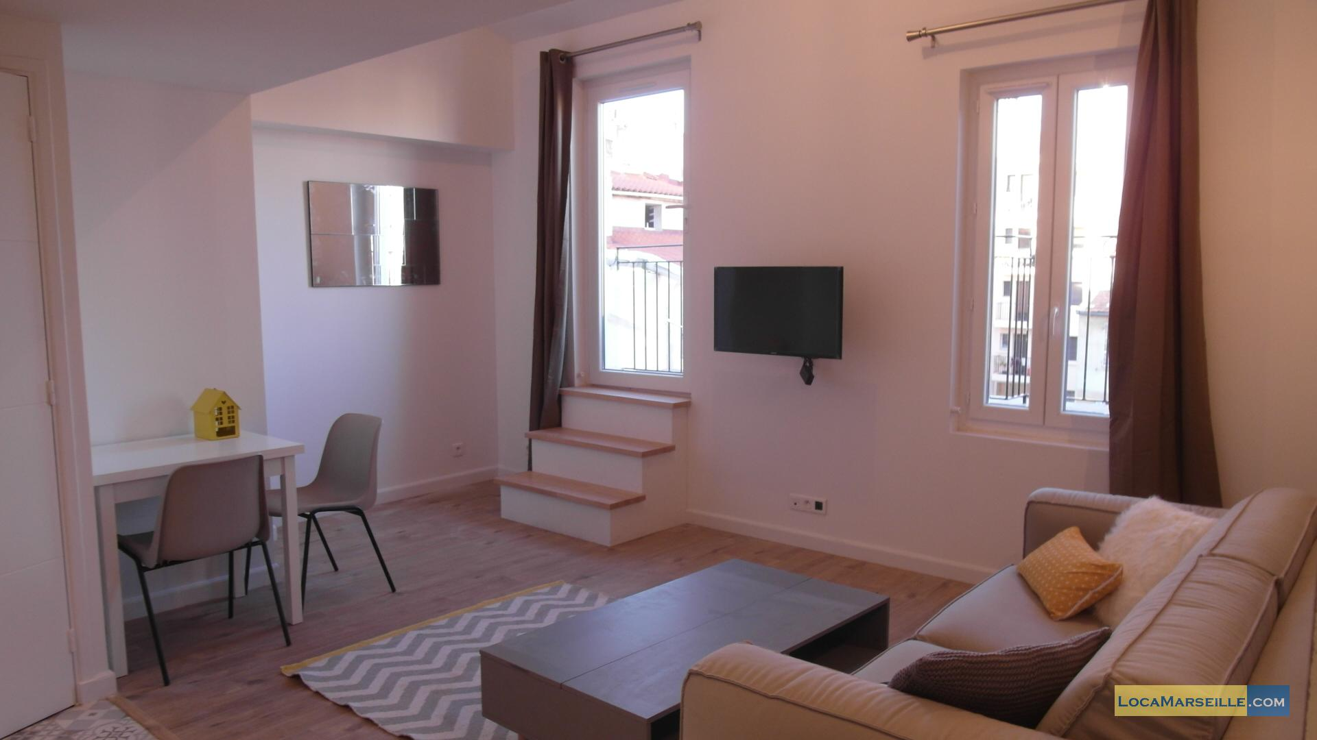 Furnished studio with terrace close to castellane for Furnished studio apartments