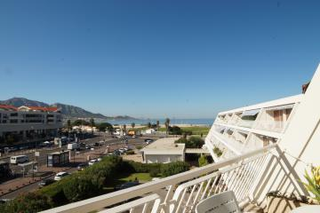 3 bedrooms of Prado Plage apartments in Marseille Borely
